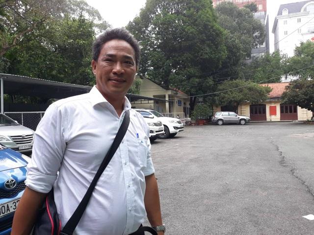 Chuyên viên Văn phòng UBND TPHCM thua kiện - 1