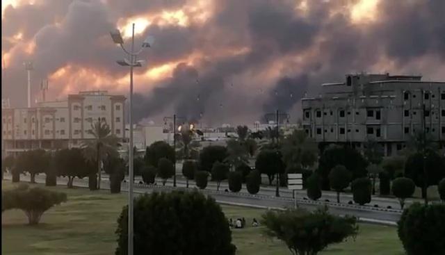 17 địa điểm bị phá hủy trong cơ sở dầu khí Ả rập Xê út bị tấn công - 6