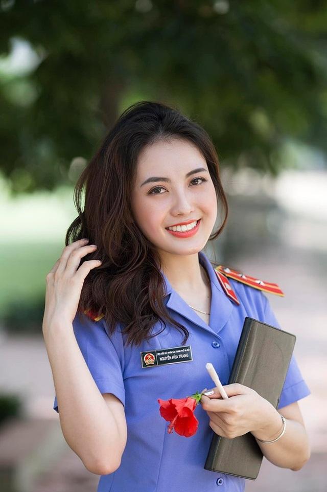 Nữ kiểm sát viên xinh đẹp, sở hữu nụ cười tỏa nắng - 6
