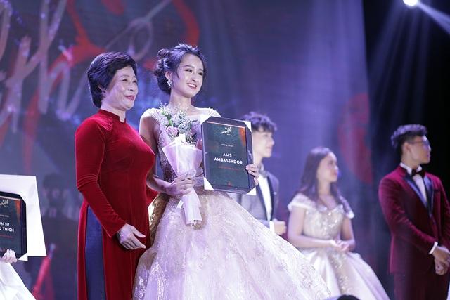 Nữ sinh đa tài, xinh đẹp đăng quang Đại sứ trường Ams 2019 - 3