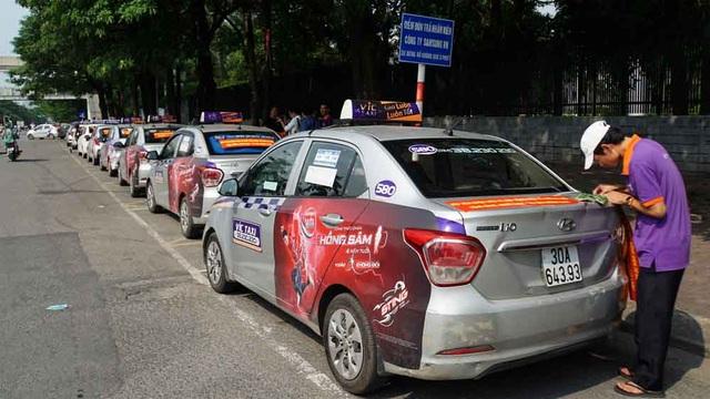 Hàng loạt tài xế taxi cổ vũ quy định taxi công nghệ cũng phải có hộp đèn - 4