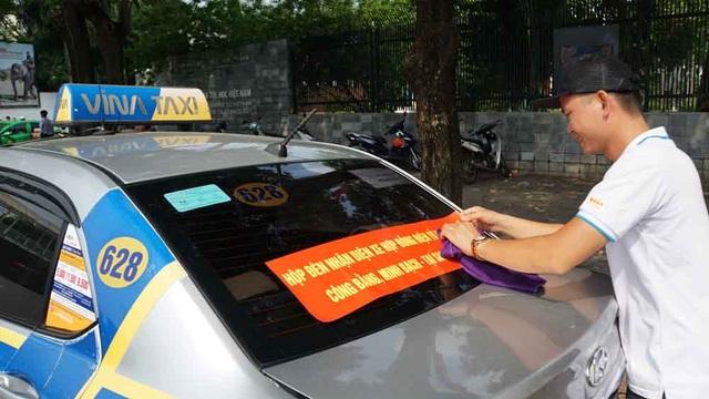 Hàng loạt tài xế taxi cổ vũ quy định taxi công nghệ cũng phải có hộp đèn - 3