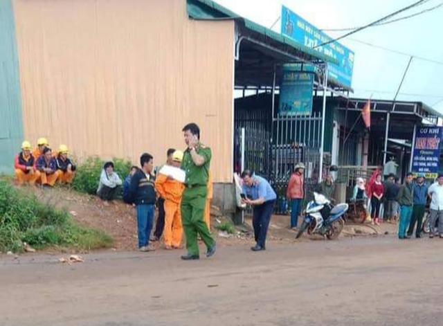 Ba chị em ruột bị điện giật thương vong trên đường chở nhau đi học - 2