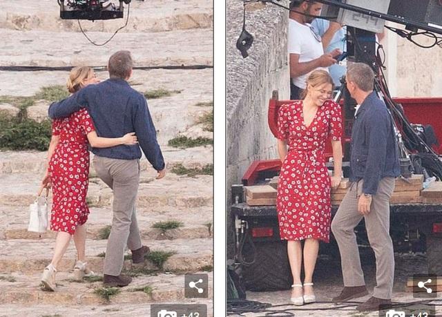 Daniel Craig tình tứ hôn bạn diễn tại trường quay - 10