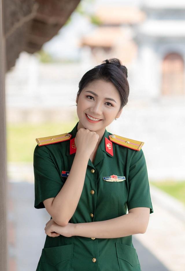 ngam-nu-cuoi-toa-nang-cuadocx-1568652288552.jpeg