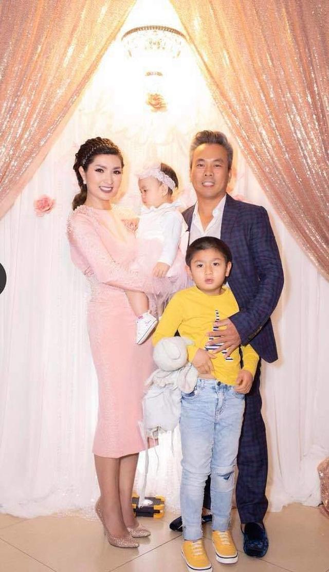 Nguyễn Hồng Nhung chia tay bạn trai Việt kiều sau 4 năm chung sống - 2