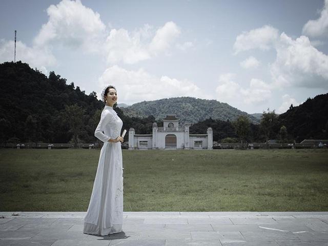 Thiếu nữ Hà thành thích diện áo dài đi du lịch khắp chốn - 5