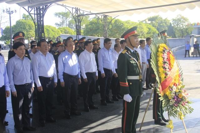 Thủ tướng dự lễ khởi công cao tốc Bắc - Nam đoạn qua Quảng Trị, TT-Huế - 1