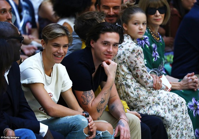 Romeo Beckham đã có bạn gái - 9
