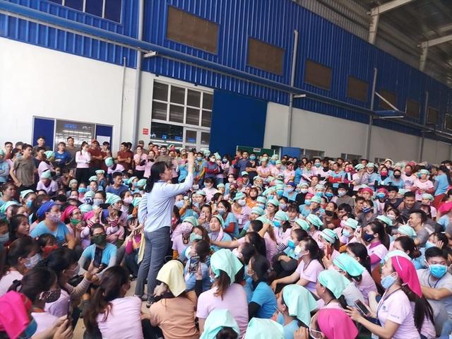 Quảng Nam: Bức xúc vì suất ăn nghi có giòi, hàng ngàn công nhân ngưng việc - 2