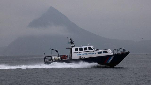 Tàu cá Triều Tiên tấn công tuần duyên Nga, Moscow bắt 60 thủy thủ Bình Nhưỡng - 1