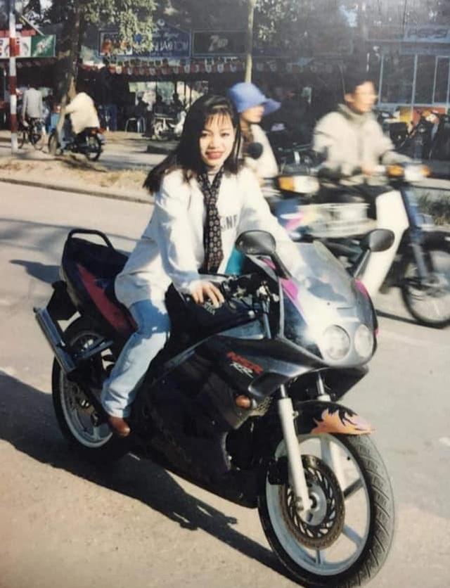 Giới nhà giàu Hà Nội thập niên 90: Dùng máy nhắn tin, đi xe phân khối lớn - 3