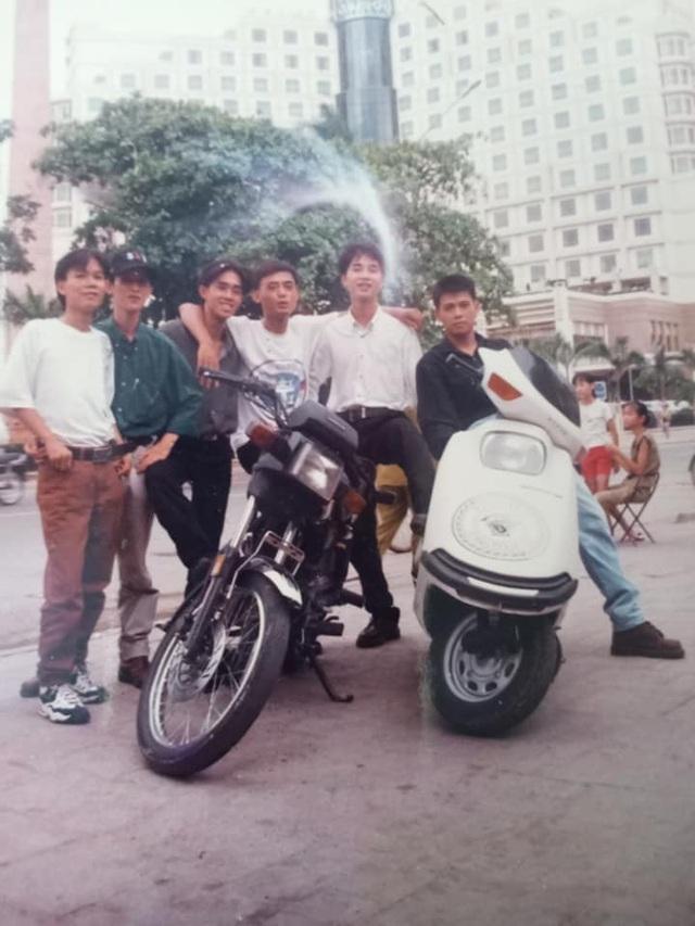 Giới nhà giàu Hà Nội thập niên 90: Dùng máy nhắn tin, đi xe phân khối lớn - 6