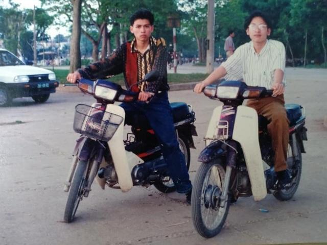 Giới nhà giàu Hà Nội thập niên 90: Dùng máy nhắn tin, đi xe phân khối lớn - 5