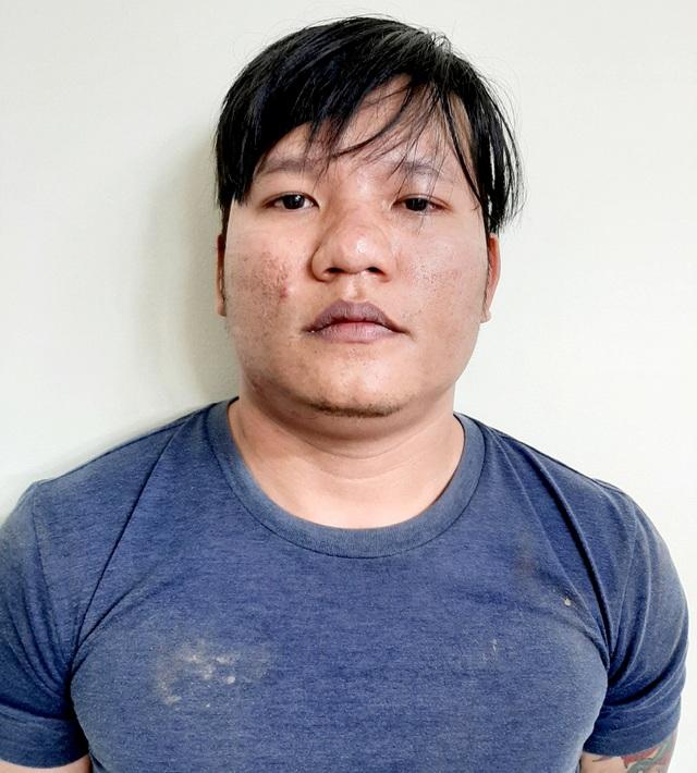 Bắt nhóm dàn cảnh bán dâm trộm tài sản của khách làng chơi ở Sài Gòn - 1