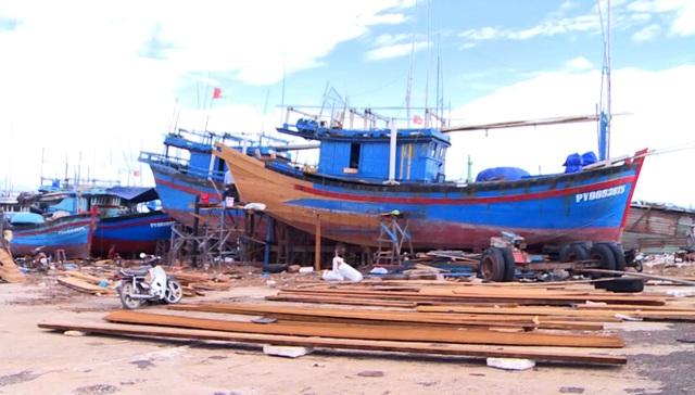 Phú Yên: Ngư dân sẽ bị tước giấy phép nếu tự nối tàu cá dài trên 15m - 3