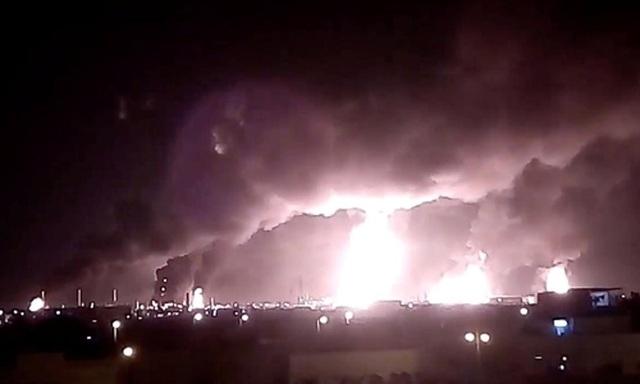 Vì sao Mỹ vội vàng đổ lỗi cho Iran vụ tấn công nhà máy dầu Ả rập Xê út? - 1