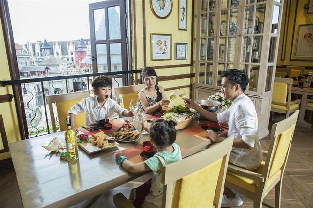 Kỷ niệm một năm Cầu Vàng, Sun World Ba Na Hills áp dụng giá vé ưu đãi chưa từng có - 1