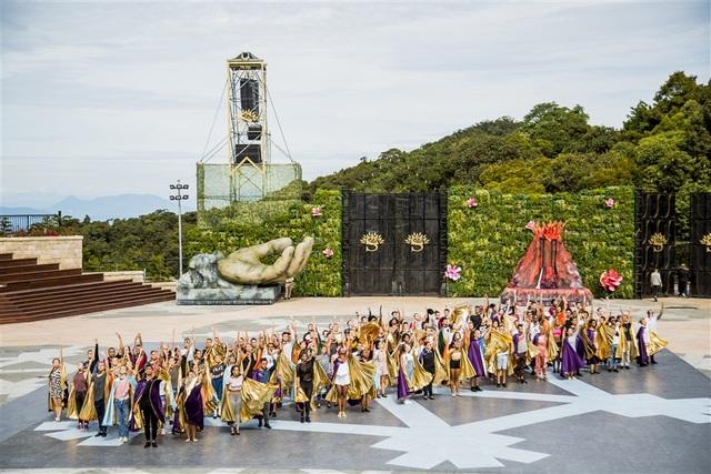 Kỷ niệm một năm Cầu Vàng, Sun World Ba Na Hills áp dụng giá vé ưu đãi chưa từng có - 3