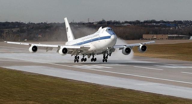 """Giải mã siêu máy bay """"Lầu Năm Góc trên không"""" của Mỹ - 1"""