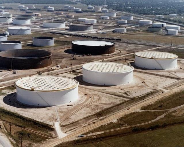 Vì sao Mỹ dự trữ dầu dưới lòng đất? - 2