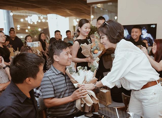 Thu Minh lần đầu công khai ảnh con trai - 8