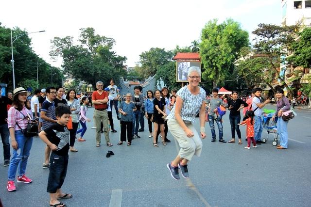 Top 20 thành phố lớn đông khách nhất có Hà Nội, TP.HCM - 1