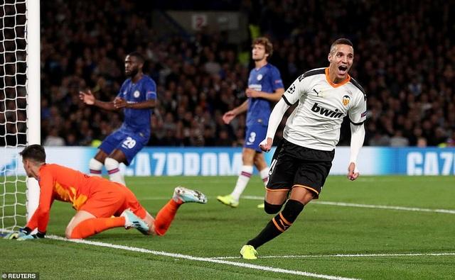 Chelsea 0-1 Valencia: Lampard lại khởi đầu tồi tệ - 2