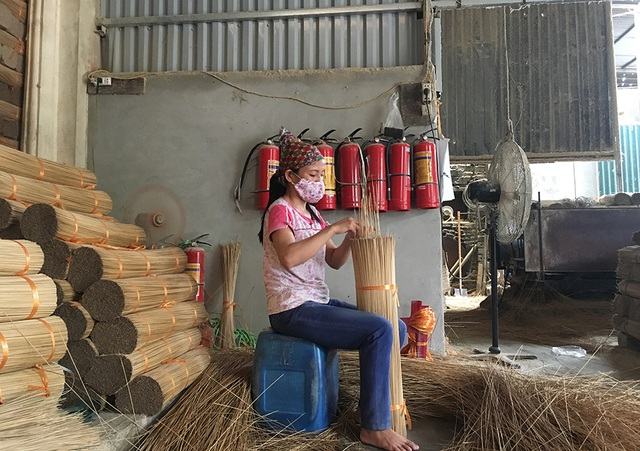 Làng nghề làm hương lớn nhất Việt Nam điêu đứng vì Ấn Độ hạn chế nhập khẩu - 3