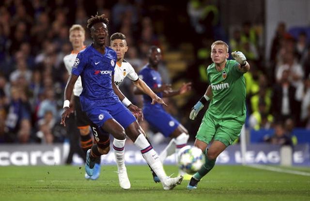 Những khoảnh khắc gây thất vọng của Chelsea trên sân nhà Stamford Bridge - 7