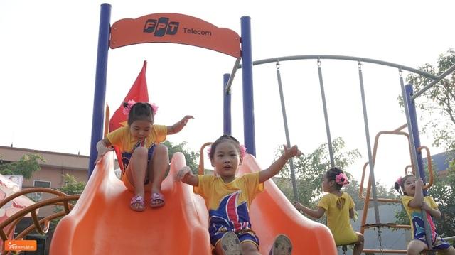 Chiến dịch FoxSteps FPT Telecom trao tặng sân chơi cho trẻ em toàn quốc - 3