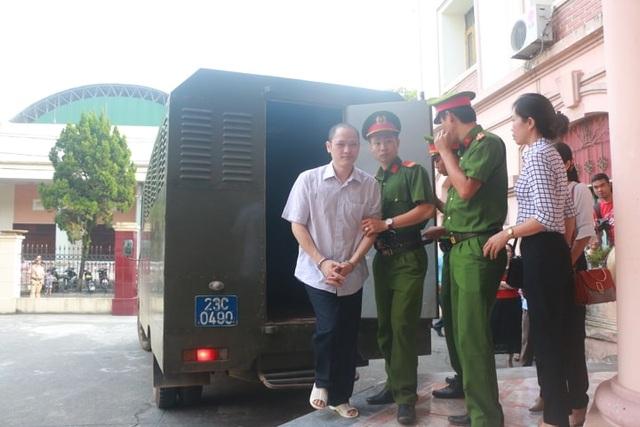 Sáng nay xét xử 5 bị cáo trong vụ gian lận điểm thi ở Hà Giang - 3