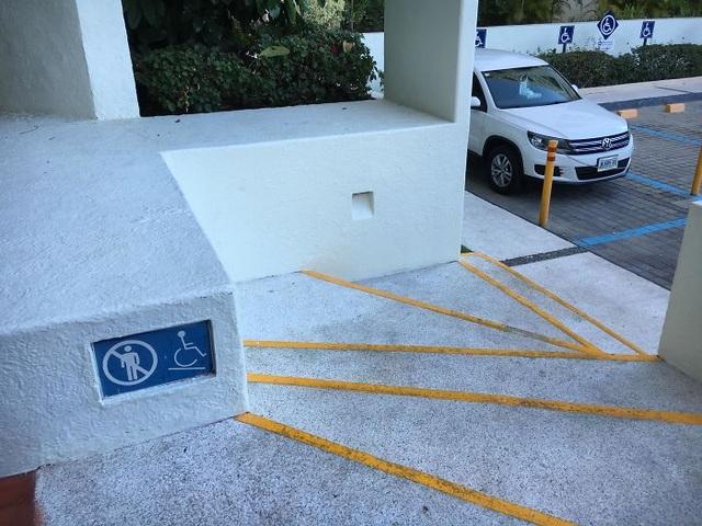 """Những chiếc cầu thang """"phiên bản lỗi"""" khiến người dùng phải ngán ngẩm - 12"""