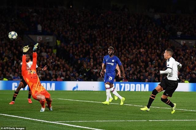 Những khoảnh khắc gây thất vọng của Chelsea trên sân nhà Stamford Bridge - 10