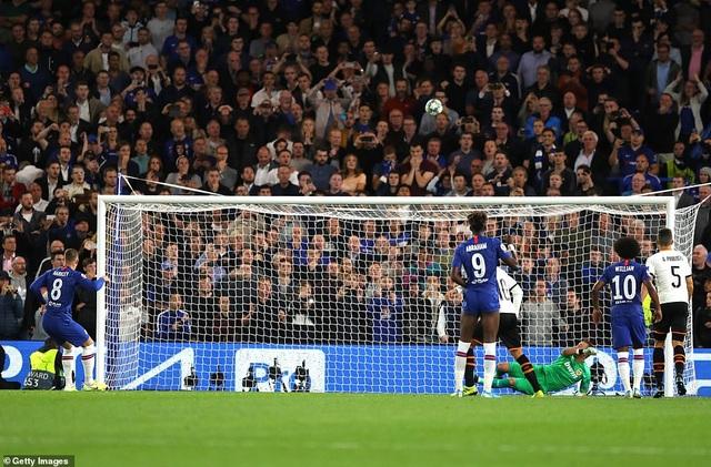Những khoảnh khắc gây thất vọng của Chelsea trên sân nhà Stamford Bridge - 13