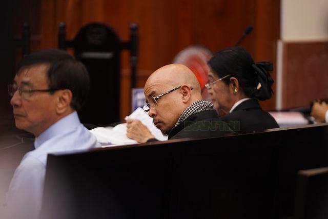 Hoãn phiên xử kín vụ án ly hôn của vợ chồng ông chủ cà phê Trung Nguyên - 6