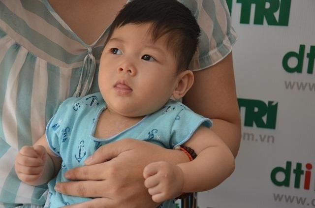 Bé gái 9 tháng tuổi bị tim bẩm sinh được bạn đọc giúp đỡ hơn 140 triệu đồng - 6
