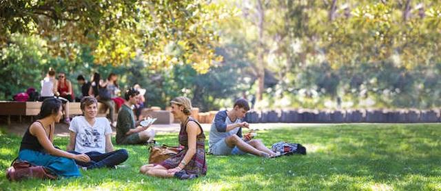 Trao đổi trực tiếp về học bổng 30%-50% học phí năm 2020 - University of Wollongong, Úc - 5