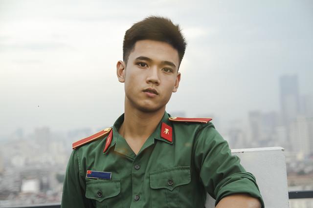 Nam sinh trường quân sự đẹp trai, nhiều tài lẻ - 2