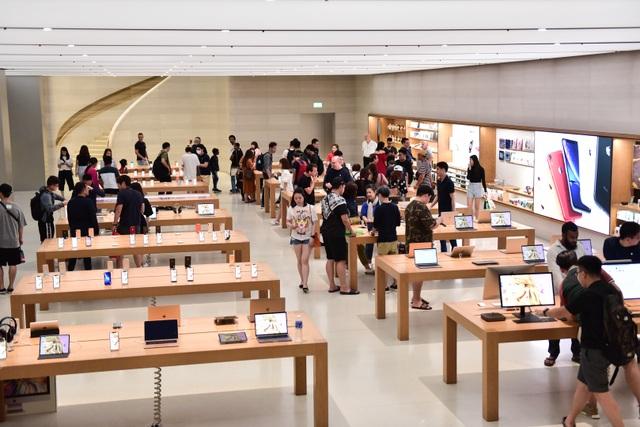 """Dân """"săn"""" iPhone 11 khắp châu Á đổ về Singapore trực chờ trước cửa Apple Store - Ảnh minh hoạ 4"""