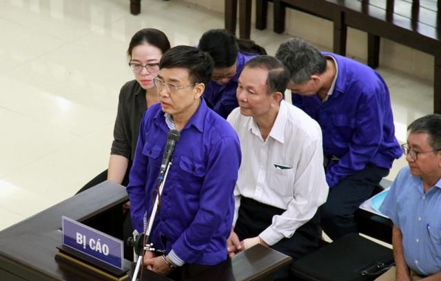 Bị cáo Lê Bạch Hồng bị đề nghị 8-9 năm tù - 2