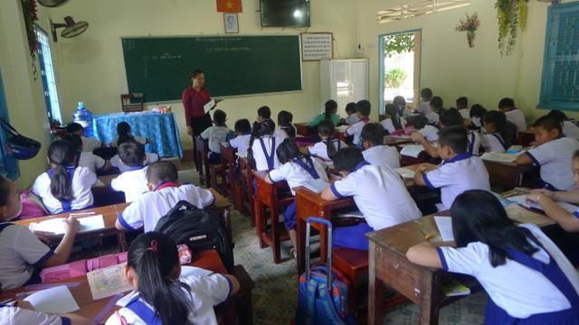 Kiên Giang thiếu 1.000 giáo viên và gần 1.000 phòng học - 2