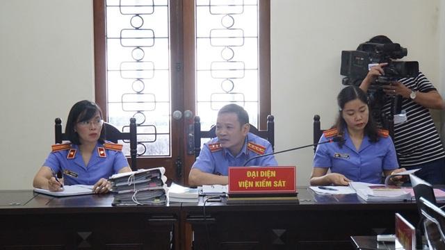 122 người liên quan vắng mặt  trong phiên xử vụ gian lận điểm thi ở Hà Giang - 4