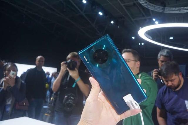 Cận cảnh bộ đôi Huawei Mate 30/30 Pro thiết kế hoàn toàn mới vừa ra mắt