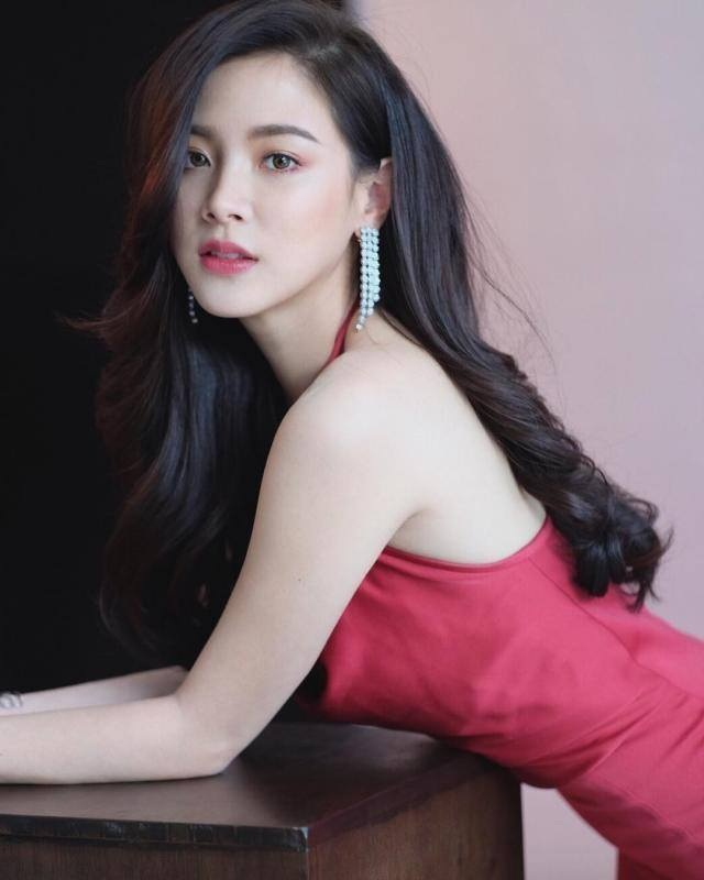 BTV Mai Ngọc VTV giống mỹ nhân phim Thái Chiếc lá cuốn bay - 3