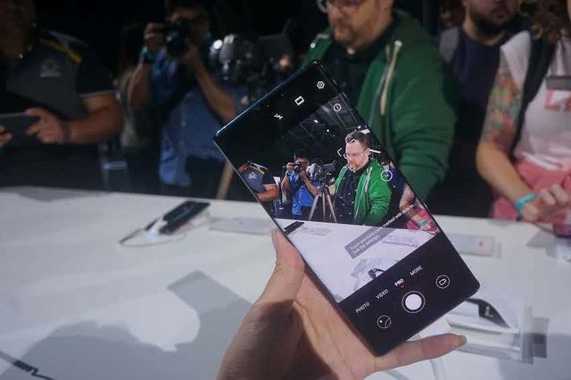 Cận cảnh bộ đôi Huawei Mate 30/30 Pro thiết kế hoàn toàn mới vừa ra mắt - Ảnh minh hoạ 5
