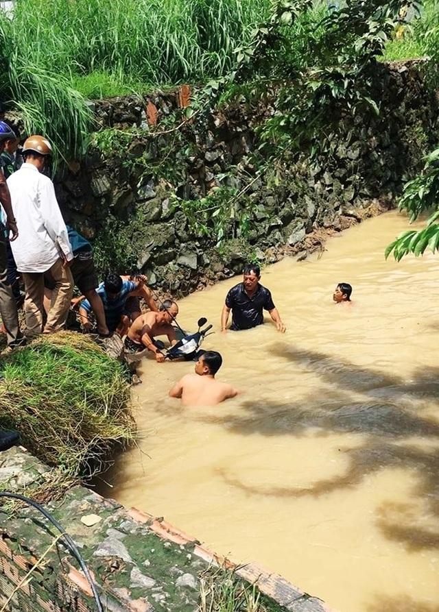 Đồng Nai: Nhiều nơi ngập sâu, một người bị nước lũ cuốn tử vong - 3