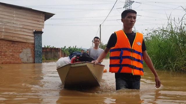Đồng Nai: Nhiều nơi ngập sâu, một người bị nước lũ cuốn tử vong - 1