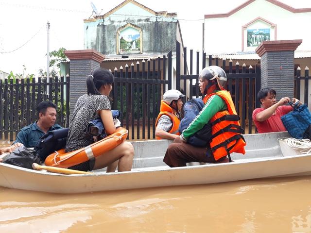 Đồng Nai: Nhiều nơi ngập sâu, một người bị nước lũ cuốn tử vong - 2