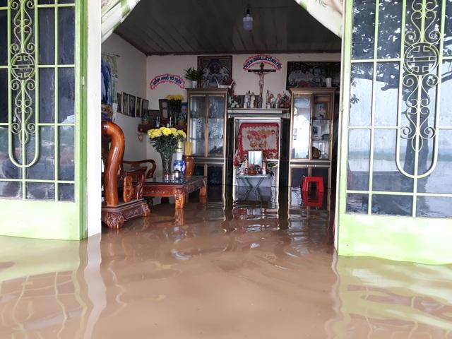 Đồng Nai: Nhiều nơi ngập sâu, một người bị nước lũ cuốn tử vong - 4